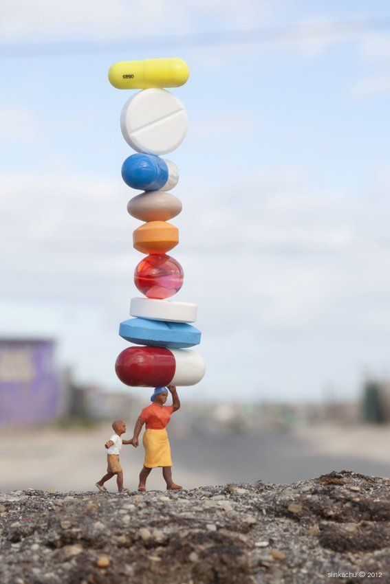 Street Art : Les Little People de Slinkachu se mobilisent contre le chômage #21
