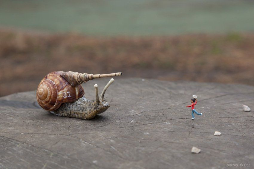Street Art : Les Little People de Slinkachu se mobilisent contre le chômage