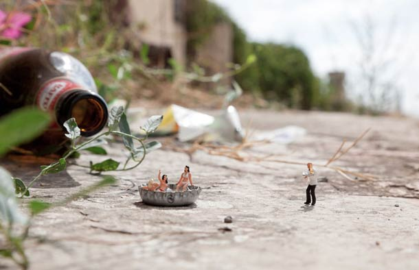 Street Art : Les Little People de Slinkachu se mobilisent contre le chômage #39