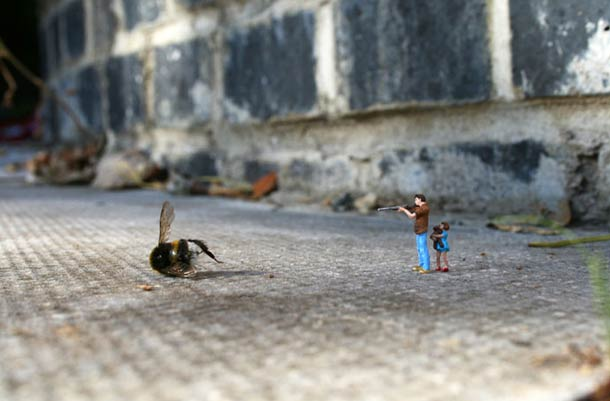 Street Art : Les Little People de Slinkachu se mobilisent contre le chômage #32
