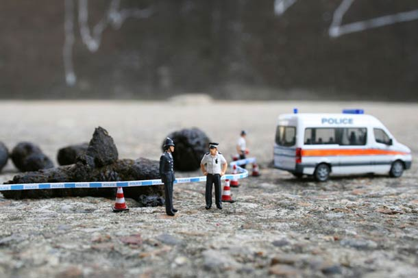 Street Art : Les Little People de Slinkachu se mobilisent contre le chômage #42