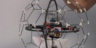 An-insect-like-ultralight-flying-robot-2