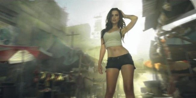 Call of Duty Advanced Warfare : une bande annonce qui tue tout avec Emily Ratajkowski #2