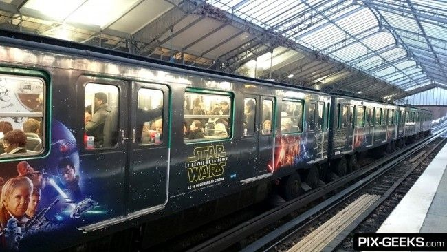 Star Wars Episode VII dans le Metro à Paris #8