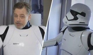 Mark Hammil descend Hollywood Boulevard déguisé en Stormtrooper