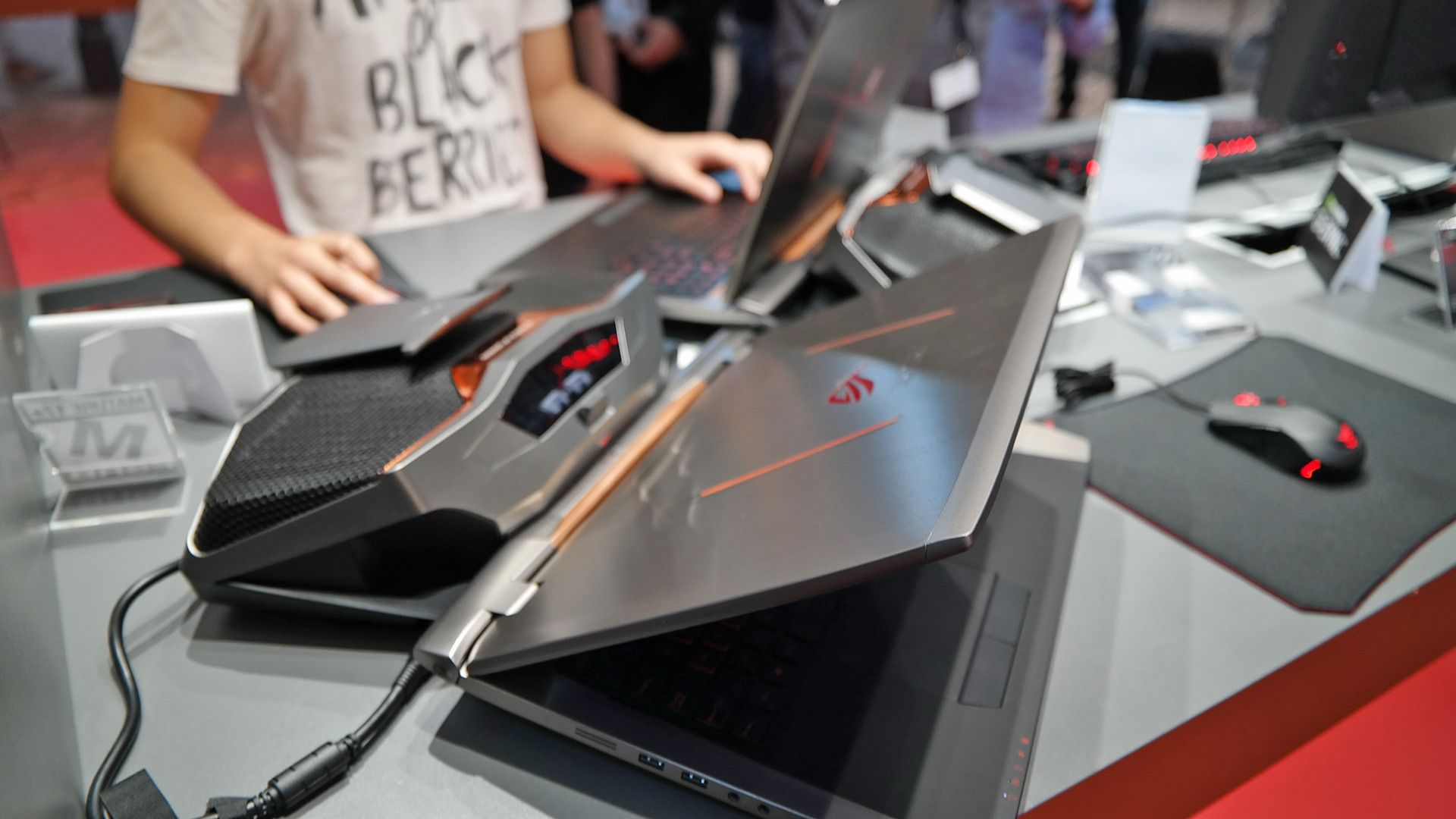 Asus ROG GX700: l'introdution du Watercooling aux ordinateurs portables