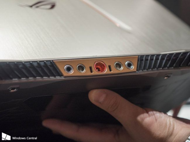 ASUS ROG GX700 : le 1er ordinateur portable avec watercooling #3