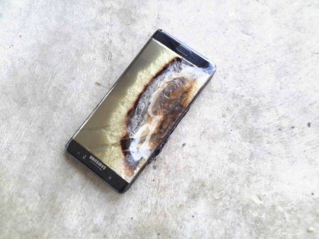Son Galaxy Note 7 explose et détruit sa Jeep #3