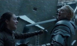 Game Of Thrones : Revivez le duel entre Arya et Brienne