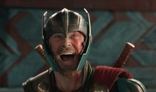 Critique Thor Ragnarok : parodie de film Marvel ?