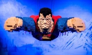 The Art of the Brick : L'exposition LEGO© des Super-Héros DC™