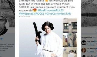Mark Hammil salue un street-art en hommage à Carrie Fisher à Paris